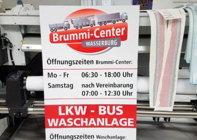 Brummi-Center Öffnungszeiten Schild