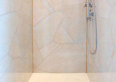 Duschkabinenrückwand aus Alu-Dibond