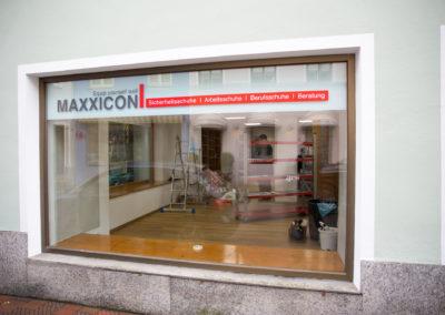 Schaufensterbeschriftung Maxxicon Wasserburg