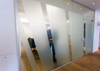 Fensterfolierung Glasdekorfolie Rummenigge Sport Marketing GmbH München