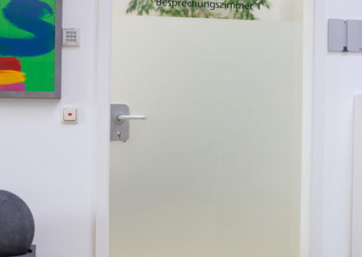 Görlich Pharma Glasdekorfolie Besprechungszimmer